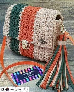 Best 12 Boho Crochet Bags – how to make your own OOAK bag – MotherBunch Crochet – SkillOfKing.Mochila bag with circle handles – ArtofitPin by Alice on Kleidung No instructions; Free Crochet Bag, Love Crochet, Knit Crochet, Crochet Backpack, Backpack Pattern, Crochet Handbags, Crochet Purses, Crochet Stitches, Crochet Patterns