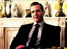 Lo stile e l'eleganza secondo Harvey Specter, ecco una miniguida su come si veste il protagonista della serie televisiva SUITS.http://www.sfilate.it/202431/lo-stile-secondo-harvey-specter-cosi-si-veste-il-protagonista-di-suits