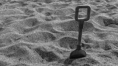 sand games - Ultima Spiaggia - Tuscany - Italy - 2014.  photo by Riccardo Ceccato