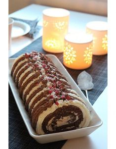 Gluteeniton suklaakääretorttu Best Christmas Recipes, English Christmas, Fodmap, Christmas Baking, Hot Dog Buns, Sweet Tooth, Dinner Recipes, Goodies, Food And Drink