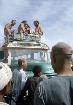 These absurd photos of young travelers on the 'Hippie Trail' raise a lot of questions Night Bus, Age Of Aquarius, Weird And Wonderful, Trail, Around The Worlds, Tours, Adventure, This Or That Questions, Life