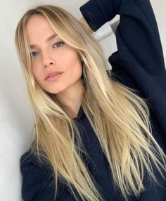 Hair Plus Bare – The sexy hair is only the beginning Honey Blonde Hair, Blonde Hair Looks, Golden Blonde, Beach Blonde Hair, Blonde Wavy Hair, Hair Color Guide, Aesthetic Hair, Blonde Aesthetic, Hair Shades
