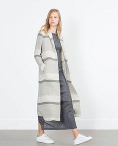 Immagine 3 di CAPPOTTO A RIGHE di Zara