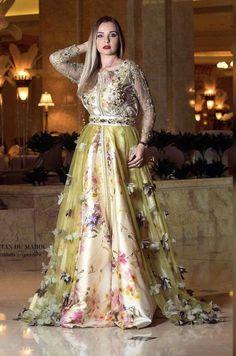 Caftan 2018 Takchita Nouvelles Collections Printemps - #Broderiehautecouture #Caftan #Caftan2019hautecouture #Caftanmarocain #collections #Jellaba2019 #modehautecouture #Nouvelles #printemps #Robechic #Takchita Dressy Dresses, Sexy Dresses, Beautiful Dresses, Nice Dresses, Bridal Mehndi Dresses, Afghan Dresses, Caftan Dress, Kaftan Style, Moroccan Caftan
