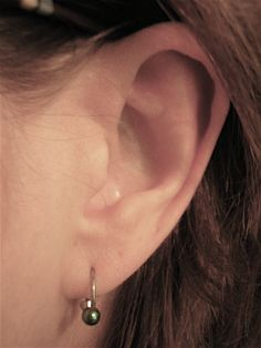 Ear infection symptoms in adults Cleaning Your Ears, Ear Cleaning, Keep Jewelry, Body Jewelry, Pain In The Ear, Earache Remedies, Natural Remedies, Ear Infection Remedy, Rid Of Bed Bugs