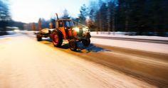 Traktoriharrastajat ajelivat vanhoilla koneilla torstaina ja perjantaina Kittilään. Huomenna käynnistyy paluumatka.