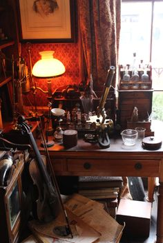 Sherlock Holmes' Office Sherlock Holmes Museum, London Sherlock Holmes, Sherlock Pipe, 221b Baker Street, Howls Moving Castle, The Secret History, Dream House Plans, Indiana Jones, Something Beautiful, Victorian Era
