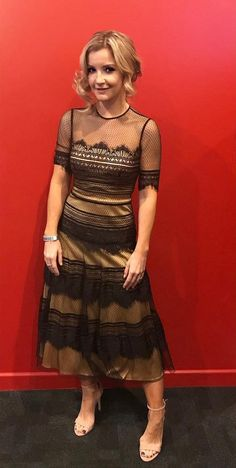 Helen Skelton in the Catherine Deane India dress. Helen Skelton, Modern India, Catherine Deane, Star Wars Girls, New Readers, Kristen Bell, Tv Presenters, Celebs, Celebrities