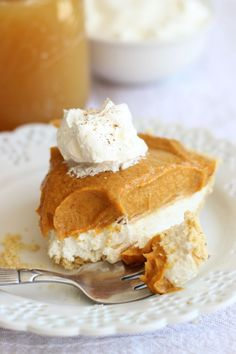 No Bake Double Layer Pumpkin Pie | No Bake desserts are sort of a miracle. They are super easy to put together and always so delightful. Check out this double layer pumpkin pie dessert. It's heavenly.