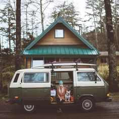 I'd quite like Charlotte Little wolf's life. Forrests, log cabins, camper vans and adventures, anyone? Vw T3 Westfalia, T3 Vw, Volkswagen Bus, Bus Camper, Motorhome, Transporter T3, Vw Camping, Chevy, Bus Girl