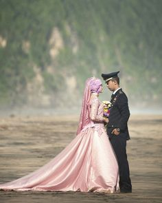 Prewedding vide & Nana #prewedding #love #close #love #beach #dramatic #flower #kebaya #bride #story #army #beach #beauty