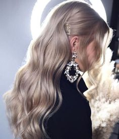 wavy hair wedding hairstyles by tonyastylist soft waves on long blonde hair Winter Hairstyles, Trendy Hairstyles, Weave Hairstyles, Wedding Hairstyles, Glamorous Hairstyles, Long Blonde Hairstyles, Formal Hairstyles For Long Hair, Christmas Hairstyles, Hairstyles 2018