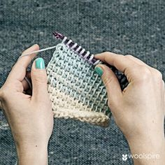 Woolspire Tunisian crochet tutorial on how to make two-colour stripes.