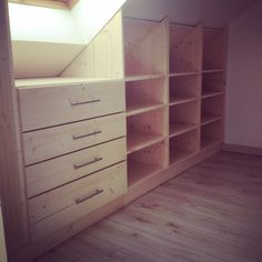 Fabrication, et installation d'un dressing tout bois en sous pent Attic Closet, Closet Bedroom, Closet Space, Attic Office, Loft Storage, Bedroom Storage, Storage Spaces, Attic Master Bedroom, Attic Bedrooms