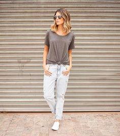 Saindo da nova @popupstorebr já estreando meu look  boyfriend jeans + t shirt = ❤ #popuprevolution - Anna Fasano (@annarfasano)