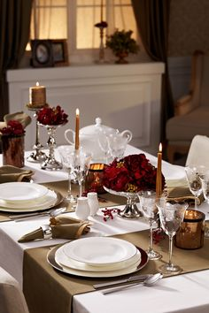 A beautiful table setting - vertical runners at place settings.