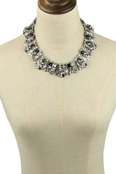 Eye Candy Los Angeles - Ivy Statement Wreath Necklace. Free Shipping on orders over $100.