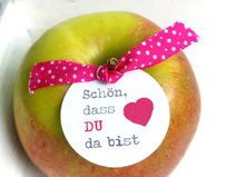 Hochzeitsdeko - ★ 6 Tischkarten ★ Schön dass Du da bist - ein Designerstück von Lena-und-Max bei DaWanda