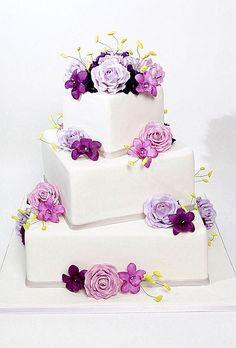 Wedding Ideas Design of Wedding Cakes with Purple Flowers