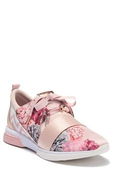 Cepap Floral Sneaker #bumper#toe#sole Floral Sneakers, Shoes Sneakers, Ted Baker Shoes, Iphone Wallpaper Fall, Pbteen, Leggings, Me Too Shoes, Balenciaga, Lace Up