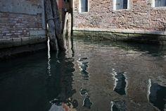 Fotos: Veneza à noite; Grand Canal - atravessa a maior parte da cidade, indo até à Basílica de Santa Maria della Salute; Apontamento nocturno; Ruas de água