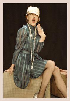 """Anna Hastings como Lulú Rivers en """"Tres Sombreros de Copa"""""""