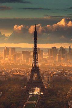 Eiffel tower and the skyscrapers of the financial district, Paris Paris France, Oh Paris, Paris Torre Eiffel, Paris Eiffel Tower, Eiffel Towers, Photo Tour Eiffel, Paris Ville, Travel Photographer, Belle Photo