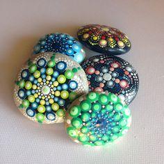 Weiteres - Mandala - Gemalter Stein Fee Garten - ein Designerstück von CreateAndCherish bei DaWanda