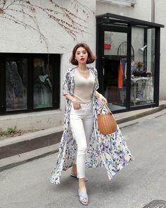K Daily style 2018 School Outfits, Summer Outfits, Korean Ootd, Korean Drama List, Korean Style, Daily Fashion, Street Styles, Korean Fashion, Kimono Top