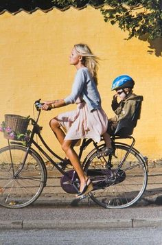 Cycle Style vs. Cycle Chic: Two books explore the aesthetics of bike-riding