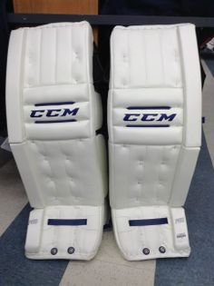 CCM Retro Flex pro pads. Color: Bernier  Available at http://www.prohockeylife.com