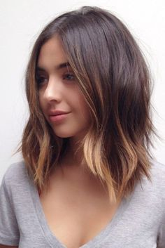 We have collected the trendiest shoulder length hair styles that you will want to recreate. Find out how to create a cute do with middle length hair. Ombré Hair, Hair Day, New Hair, Hair Bangs, Lob Bangs, Hair Cuts Lob, Lob Cut, Hair Color And Cut, Short Hair Colour