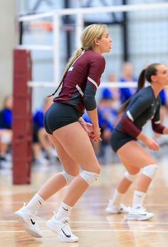 Volleyball Poses, Female Volleyball Players, Tennis Players Female, Volleyball Pictures, Women Volleyball, Beach Volleyball, Girls Volleyball Shorts, Volleyball Setter, Cheer Pictures