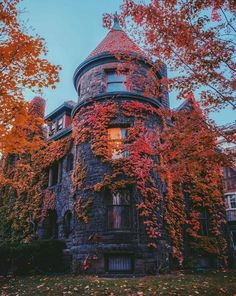 Discovered by Shorena Ratiani. Find images and videos about nature, home and autumn on We Heart It - the app to get lost in what you love. Autumn Witch, Autumn Cozy, Beautiful Homes, Beautiful Places, Autumn Aesthetic, Autumn Inspiration, Fall Halloween, Happy Halloween, Victorian Homes