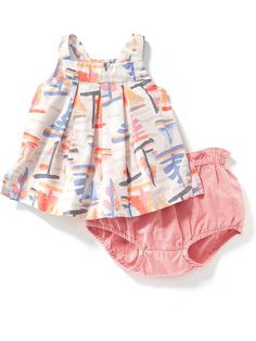 9b1ea48614f9 Shop online for discount baby girls  clothing at Old Navy. Our trendy  values in clothes and accessories could be what you ve been looking for.