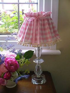 pink gingham and pompoms - DIY inspiration Muebles Shabby Chic, Shabby Chic Decor, Rose Cottage, Cottage Style, Vichy Rose, Pink Gingham, Everything Pink, Lamp Shades, Decoration