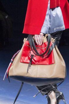 Grinadine fall 2017 Versace
