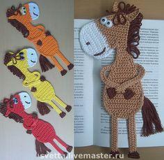 Cute bookmarks Bookmark horse crochet pattern by Zabelina Amigurumi… Crochet Bookmarks, Crochet Books, Love Crochet, Crochet Gifts, Crochet Motif, Crochet Yarn, Crochet Flowers, Crochet Patterns, Crochet Horse