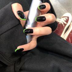 Black Acrylic Nails, Acrylic Nail Tips, White Nails, Acrylic Nails With Design, Yellow Nails Design, Black Acrylics, Acrylic Nail Designs, Fake Nails Long, Black Nails Short