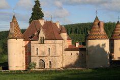 Château de Ménessaire, XII - XVII ème, Morvan, Bourgogne, France