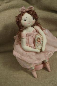Dolls rag dolls on pinterest gail o 39 grady dolls and for Blythe le jardin