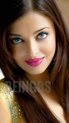 She has nice eyes and gorgeous lips! She could be a movie Star! Most Beautiful Eyes, Gorgeous Women, Woman With Blue Eyes, Angels Beauty, Actrices Sexy, Brunette Makeup, Woman Silhouette, Face Hair, Pretty Eyes