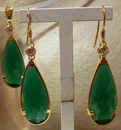 Fabricación: pendientes y colgante de plata dorada y jade