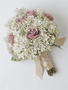 Attractive Simple Baby Breath Bouquet and Boutonniere Inspirations https://bridalore.com/2018/01/01/simple-baby-breath-bouquet-and-boutonniere-inspirations/ #weddingflowers