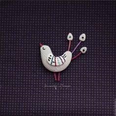 Купить Птичка. Брошь - серый, фиолетовый, бирюзовый, белый, птичка, павлин, жар-птица, сказочная