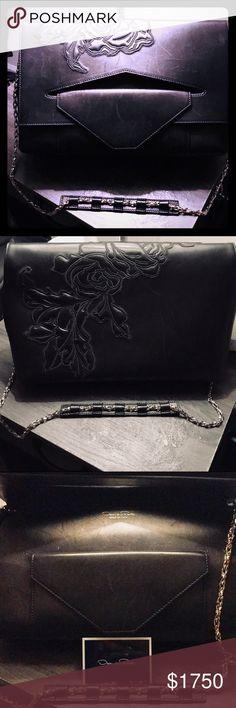 """Oscar de la Renta Grace Floral Large Shoulder Bag. Beautifully embroidered design.  New; never used. Approx. 8.5"""" H x 11.5"""" W x 4.5"""" D. I do not have a dust bag but will ship in protective packaging Oscar de la Renta Bags Shoulder Bags"""