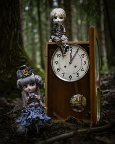 """Pohjoistuuli ☁️ on Instagram: """"— Hello there! We are time travelling from the Steampunk World. 🕰  #pullipdoll #pullipsuomi #pullip #isulhelios #isulnukke #pullipnukke…"""" Time Travel, Travelling, Steampunk, Clock, Dolls, Instagram, Watch, Baby Dolls, Puppet"""