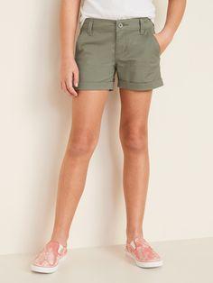 Twill Chino Shorts for Girls Petite Fashion, Curvy Fashion, Style Fashion, Fall Fashion Trends, Autumn Fashion, Fashion Bloggers, Celebrity Dresses, Celebrity Style, Extra Petite