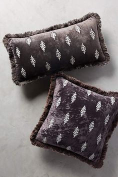 Embroidered Leaves Pillow preeetttyyy