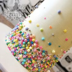 """144 Likes, 3 Comments - Blackbird Cakes (@blackbirdcakes) on Instagram: """"Got to play with some @twinkle.sprinkles.au today... this stuff makes me happy just looking at it!!…"""""""
